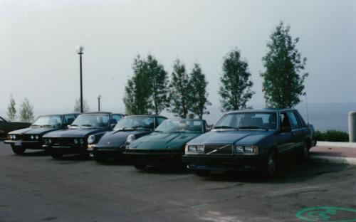 Group pose at Memorial Drive, Circa 1987. From left : 1981 BMW 320i , 1970 BMW 2800CS Coupe, 1969 Porsche 911 S, 1980 Triumph TR7, 1985 Volvo 740 Turbo.