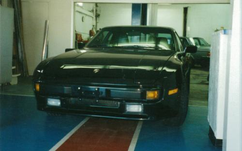 A 1987 Porsche 944 being pushed into its showroom spot at our second service location of 1359 Hammond. This shop is now North Bay Auto Service. This shop served us well until more room was required, necessitating a move in 2000 to a larger facility.